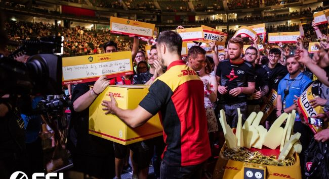 DHL and ESL Gaming extend partnership